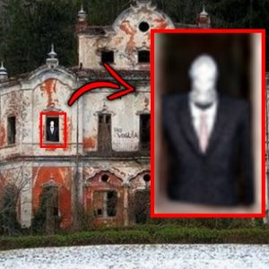 Top 10 Scary Abandoned Mansion Discoveries